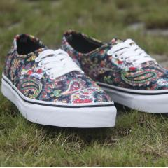 VANS Authentic 腰果花